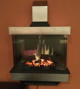 DIMPLEX WALL MOUNT FIREPLACE WITH THERMOSTAT!
