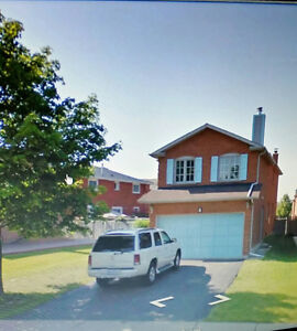 Detached House for Rent Near Shoppers World Brampton