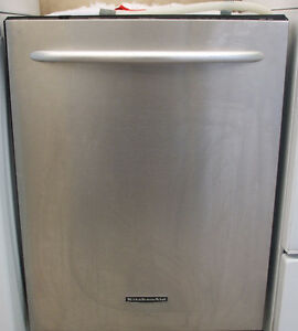 KITCHEN AID STAINLESS STEEL DISHWASHER FOR SALE!!!
