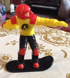 MCD ACTION MAN SNOWBOARD SKI BOARD TWIST TOY 2001 HASBRO