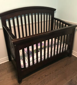 Solid Wood Crib & Full Bed Conversion Kit for Sale $150