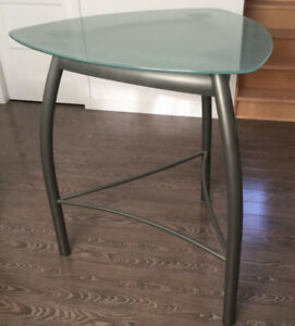 Une table style bistro moderne