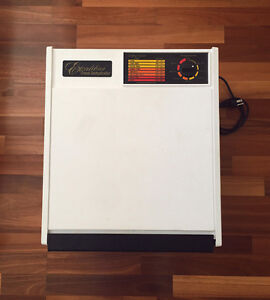 White Excalibur 3900 Deluxe Dehydrator 9 Tray - Used 2-3 Times