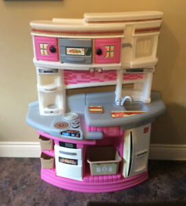 Step 2 Play Kitchen
