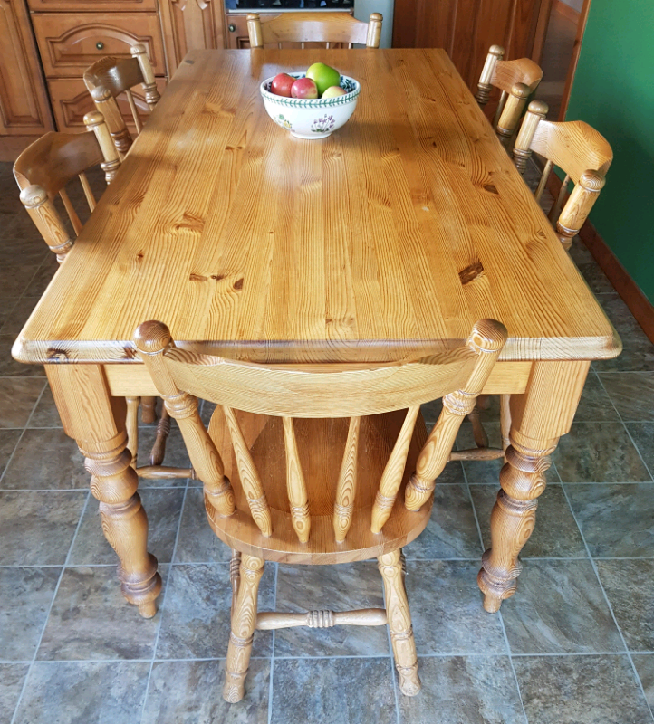 pine kitchen table with 6 chairs  in auchterarder perth