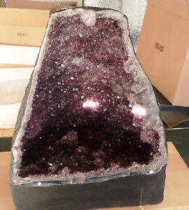 LARGE AMETHYST GEODE CATHEDRAL EXCEPTIONALLY RARE West Island Greater Montréal image 2
