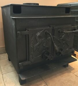 USED Lakewood Wood Stove Model# Unicorne w/Air