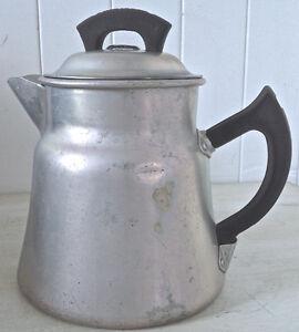 Antiquité 1950 Collection. Ancienne théière fer blanc WEAR EVER