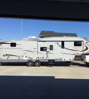 Grey Stone Fifthwheel IMMACULATE CONDITION!!