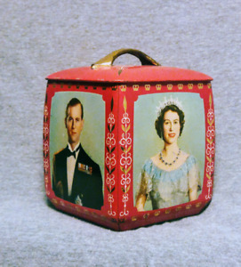 Vintage 1953 Royal Family Biscuit Box Tin