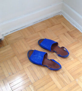 Inuovo blue leather sandals 7.5