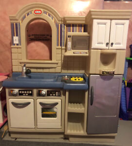 Little Tikes Kitchen with BBQ