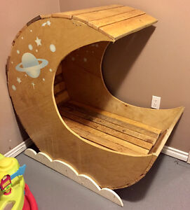 Handcrafted Moon Cradle Moose Jaw Regina Area image 1