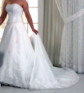 Wedding Dress with overlay and pearl beading Size 12.