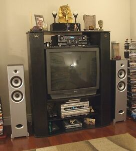 """SEARS / JVC 32"""" COLOR TV w/OEM REMOTE - Amazing Picture Quality"""