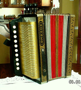 HOHNER accordion  HA-113  3 stop