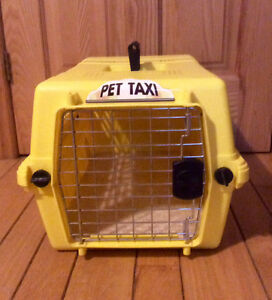 Portable Pet Crate/Kennel With Handle - St. Thomas