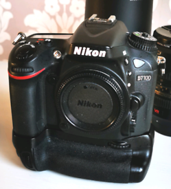 NIKON D7100 with BATTERY GRIP and 3 BATTERIES