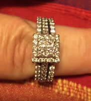 REDUCED Gorgeous $3400 diamond and white gold ring