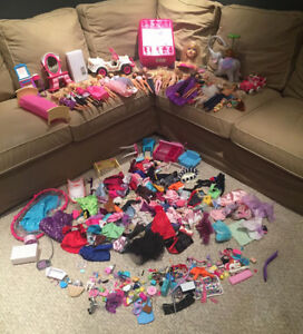 Barbie Bundle #001 - 22 Dolls w/Tons of Accessories + Car