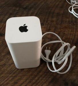 Apple AirPort Extreme Base Station $100