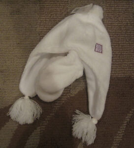 WINTER HAT + INFANT MITTENS in WHITE --- BRAND NEW with TAGS!!