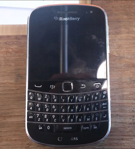BlackBerry Bold 9900 in perfect condition