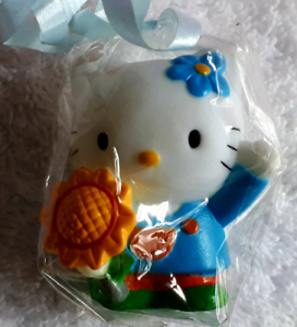 Valentine's Day Hello Kitty Collectable key chain set