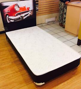 SET DE LIT SIMPLE CUIR / BED SET SINGLE LEATHER WITH CHROME LEGS