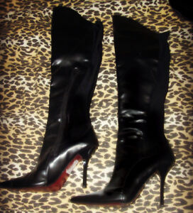 Le Chateau Black 8 1/2 over the knee boots