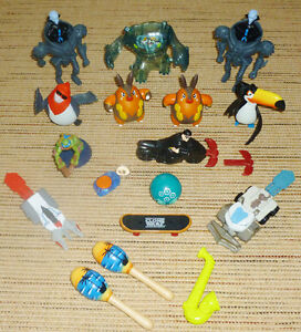 ✪ MISCELLANEUS - 17 Small Miscellaneous Hand-Held Toys