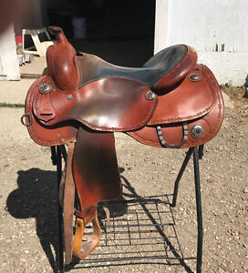 "16"" Girletz Gear Saddle"