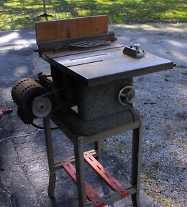 TABLE SAW 3/4 H.P. MOTOR COMPACT SIZE WORKS GREAT HOBBY SHOP