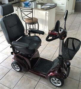 Mid Size 4 wheel mobility scooter PILOT mod2410, Ramp,HitchMount