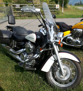 2008 Honda Shadow 750 Tourer with low kms!