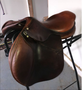 "17.5"" CWD Wide Fit Saddle"