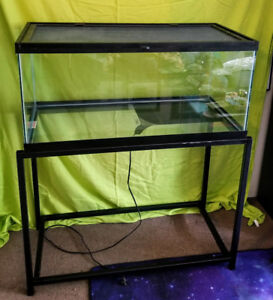 Reptile Tanks, Lids, Lighting + Accessories