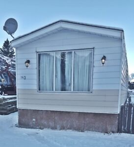 1975 14 wide Mobile Home - Delivery Included in Alberta