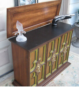Server / Console (Vintage Country Cottage)