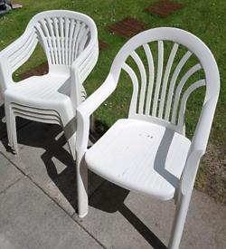 5 Plastic Garden Chairs