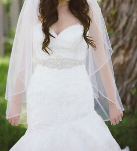 Beautiful Lace Allure Wedding Dress Windsor Region Ontario image 1