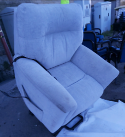 Recliner Chair - Quality Extra Comfy Parker Knoll Dual Motor Multi-Pos