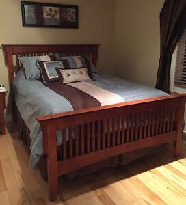 Bedroom Sets - Queen Size- 6 pieces