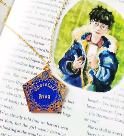 Harry Potter Hogwarts Chocolate Frog Box Gold Charm Necklace
