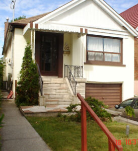 SOUTH ETOBICOKE 2 BEDROOM BUNGALOW TO SHARE