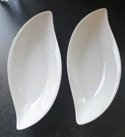 Brand New Oval Twist Dish Set x2 / Serving Bowls by Ten Strawberry Str