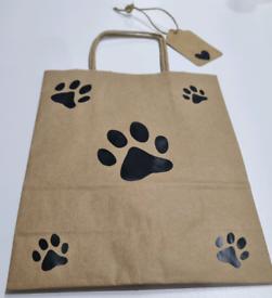 Gift bag. Paw theme. With tag.
