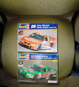 Interstate Home Depot 1999 Grand Prix  Model Kit Tony Stewart