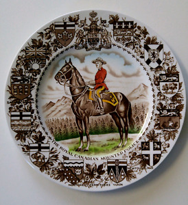 Souvenir Plate ROYAL CANADIAN MOUNTED POLICE