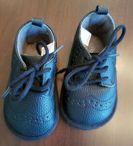 Little Me Black Wingtip Crib Shoes Size 3 - Worn once!